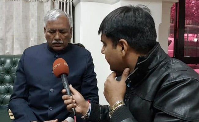 राजीव गांधी पर AAP में रार: अलका लांबा के समर्थकों ने लिखी केजरीवाल को चिट्ठी, विधानसभा अध्यक्ष बोले- मैंने जनरैल को टोका भी था