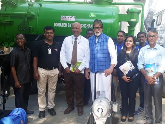 Video : Amitabh Bachchan Fulfills His Promise, Donates Sewer Cleaning Machines
