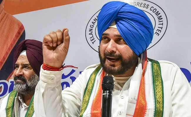 Amid Drama In Bengal, Navjot Sidhu Says CBI Has Turned Into A 'Puppet'