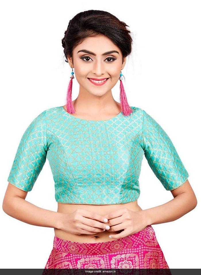 4b9549851bf0bf 6 Gorgeous Blouses To Up Your Saree Game Like Deepika Padukone