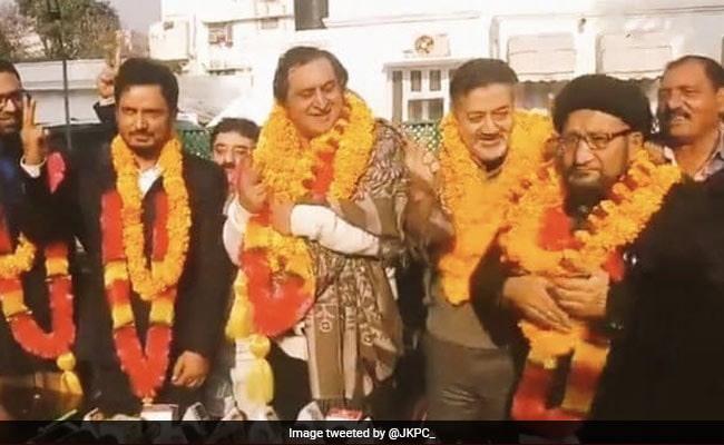 Ex-Lawmaker, 6 Others Join Sajad Lone's Peoples Conference In Jammu