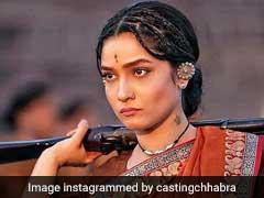 Sushant Singh Rajput Reviews Ankita Lokhande's Look As Jhalkari Bai From <I>Manikarnika</I>