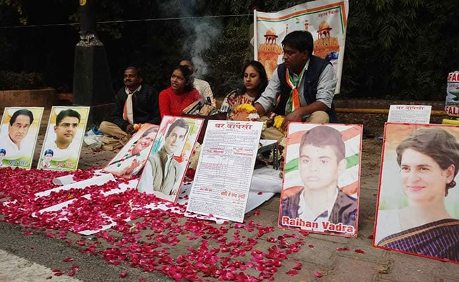 As Early Leads Come In, Congress Workers Perform Havan For Rahul Gandhi