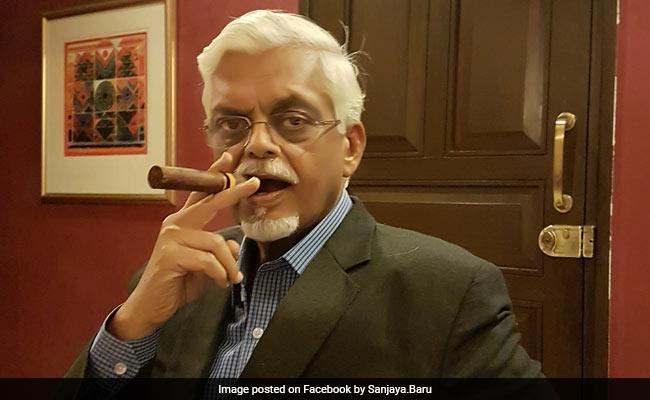 कौन हैं संजय बारू, जिनकी 'द एक्सीडेंटल प्राइम मिनिस्टर' किताब पर बनी फिल्म से फिर गरमाई सियासत