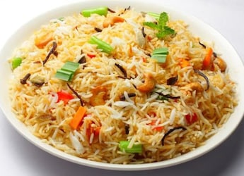 How To Make Kashmiri Pulao - An Aromatic Rice Made With Fresh Cream And Dry Fruits