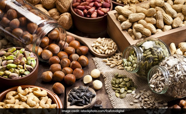 These 6 Foods Are All You Need To Improve Your Eyesight: Nutritionist Nmami Agarwal