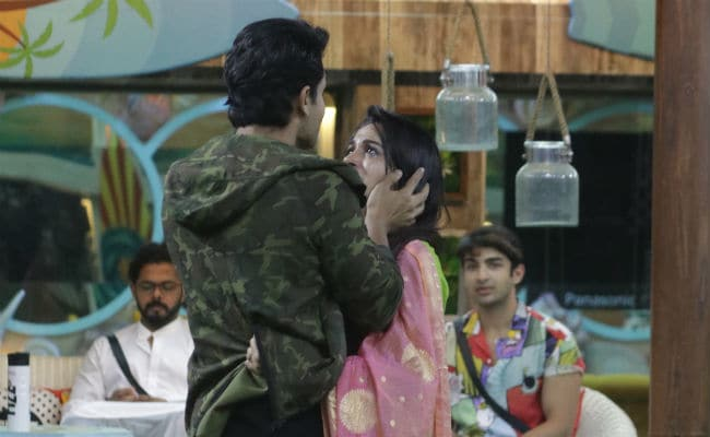Bigg Boss 12, Day 85, Written Update: Dipika Kakar And Shoaib Ibrahim Gave The Contestants Major Couple Goals
