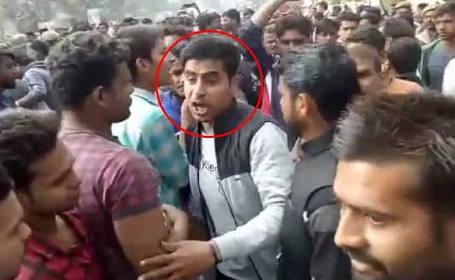 बुलंदशहर हिंसा : घटना के समय मौके पर मौजूद था जीतू फौजी, सामने आया VIDEO
