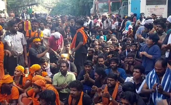 Early Morning Clashes At Sabarimala As 2 Women Attempt To Enter Temple