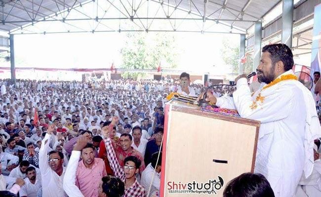 बीजेपी शासन के दौरान 6 महीने जेल में रहा यह किसान नेता, अब बीजेपी प्रत्याशी को ही दी चुनाव में पटखनी