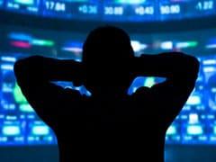 शेयर बाजार में जारी रही गिरावट, सेंसेक्स 300 अंक लुढ़का