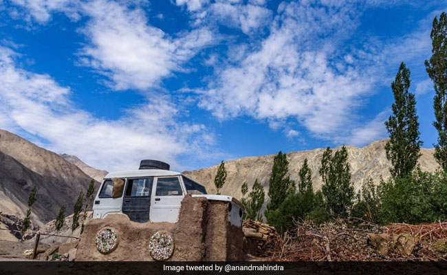 3 Idiots Inspiration Sonam Wangchuk Reveals Story Of Viral 'Jeep-Roof' Pic To Anand Mahindra