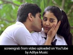 Priya Prakash Varrier के बाद ये लड़की आई चर्चा में, मिला ऐसा Proposal, देखें VIDEO