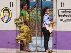 इंडियन रेलवे ने दिया महिला यात्रियों को नए साल का तोहफा, अब ट्रेन में मिलेंगे ब्यूटी प्रोडक्ट्स और घर के समान