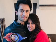 Viral: Video Of <I>Bigg Boss 12</i> Winner Dipika Kakar Escorted Out In The Arms Of Husband  Shoaib Ibrahim After Grand Finale