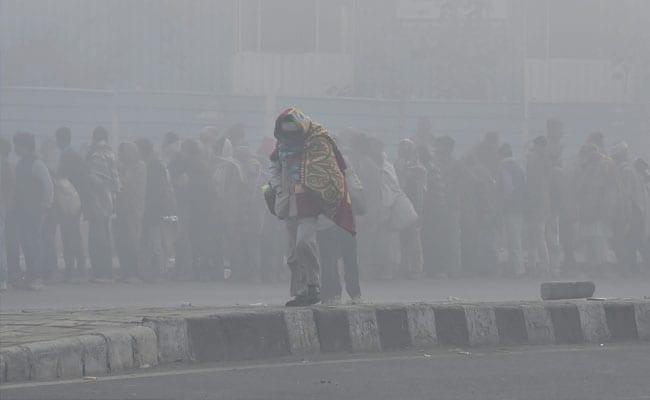 Weather Report: आज फिर ठंड से कांप उठी दिल्ली, मध्य प्रदेश में तेज हवाओं ने बढ़ाई ठिठुरन