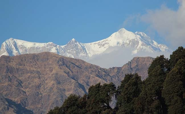 Temperature Lowers In Uttarakhand After Fresh Snowfall
