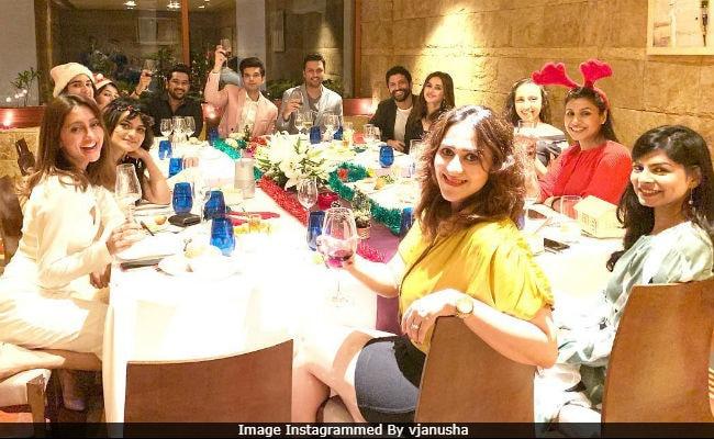 Spot Rumoured Couple Farhan Akhtar And Shibani Dandekar In This Pic From Christmas Dinner