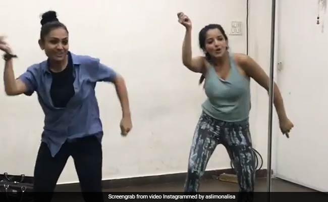Monalisa Dance Video: मोनालिसा ने सलमान खान के सॉन्ग पर लगाए ऐसे ठुमके, Video ने बरपाया कहर