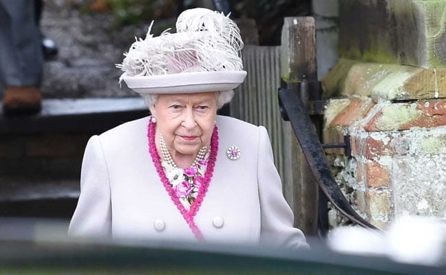 Queen Warns Of ''Tribalism'' In Christmas Address