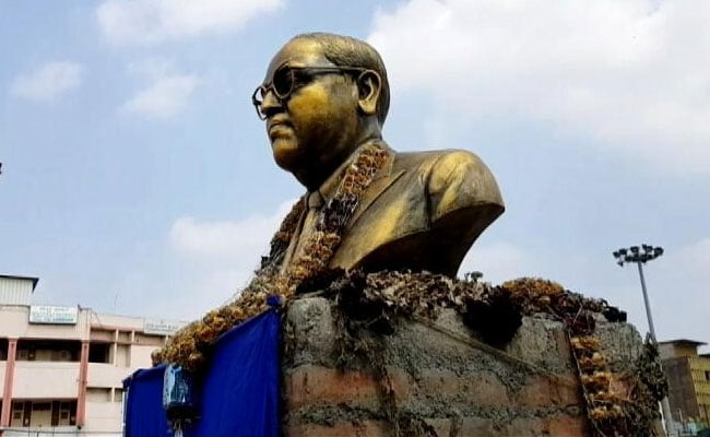 बेंगलुरु के सिटी मार्केट इलाके में रातोंरात लगा दी गई बाबा साहेब भीमराव अंबेडकर मूर्ति! जांच जारी
