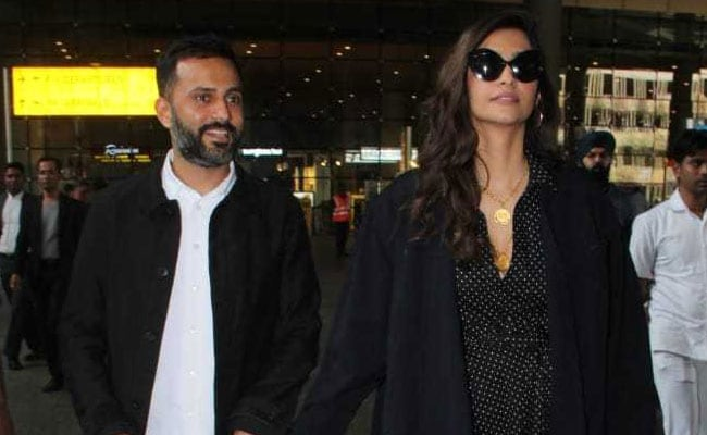 Sonam Kapoor's Recent Airport Look Is Totally A Winter Style Goal For Us
