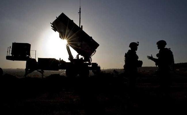 जम्मू कश्मीर: पाकिस्तान ने फिर किया सीजफायर का उल्लंघन, सेना के मेजर और बीएसएफ का जवान घायल