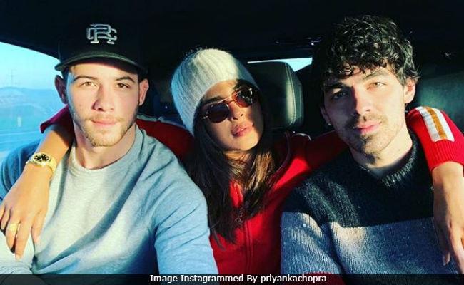 Nick Jonas Gets Cute Congratulatory Message From Priyanka Chopra!