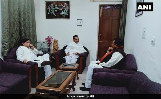Amid Mutiny In Party, Upendra Kushwaha Hosts Congress Leader Ahmed Patel