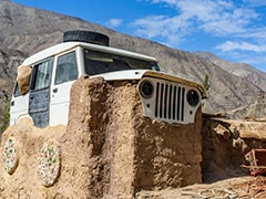 There's A Home With A Mahindra Jeep Roof In Ladakh!
