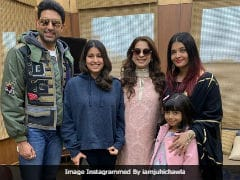 'Aaradhya Is Such A Doll.' Juhi Chawla Captions Pic With The Bachchans