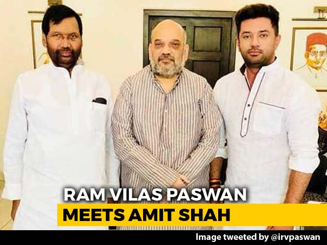 Video : Ram Vilas Paswan, Son Chirag Meet Amit Shah In Row Over 2019 Pact