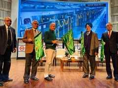 दिल्ली में मेट्रो शौकिया सवारी नहीं बल्कि रोज की जरूरत, किराया घटाया जाए : मनीष सिसोदिया