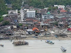 """Run to the Hills"": Tsunami Fears Cause Chaos In Indonesia Town"