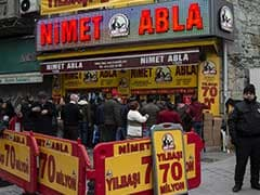 Decade After Last Win, 90-Year-Old Turkey Lottery Has Thousands Of Takers