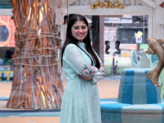 <I>Bigg Boss 12</i>: Somi Khan On Her Equation With Deepak Thakur, Rival Jasleen Matharu And More
