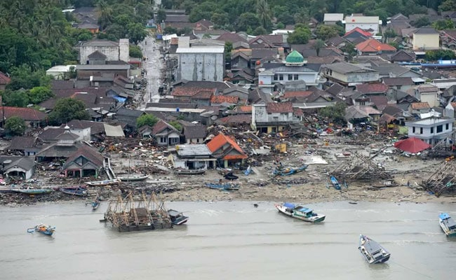 Death toll climbs to 222 in Indonesia tsunami