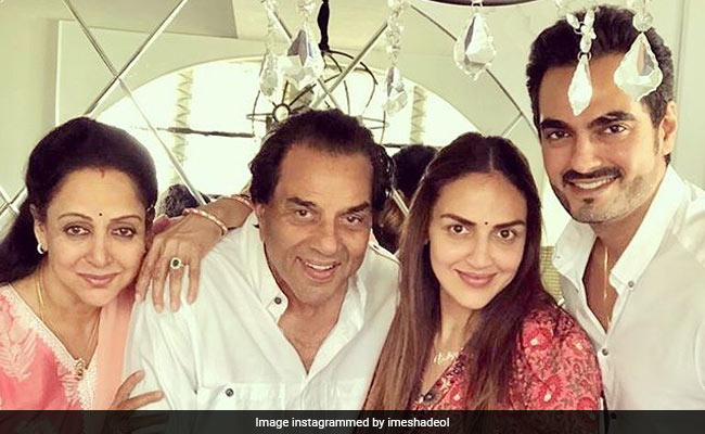 On Dharmendra's 83rd Birthday, Hema Malini, Esha And Bobby Deol Post Heartfelt Messages