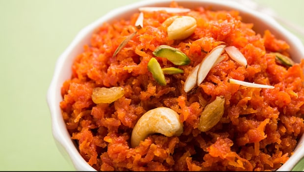 Satisfy Your Mid-Week Sugar Cravings With This Gajar Ka Halwa By Yasmin Karachiwala