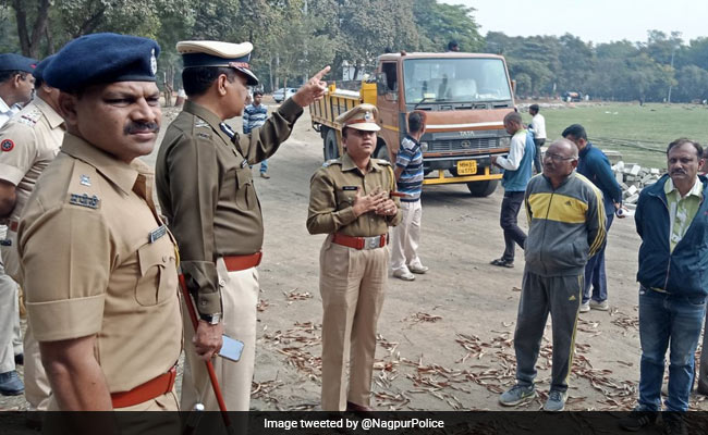Nagpur Cop Shunted Out For Showering Cash On Schoolgirls At Event: Police