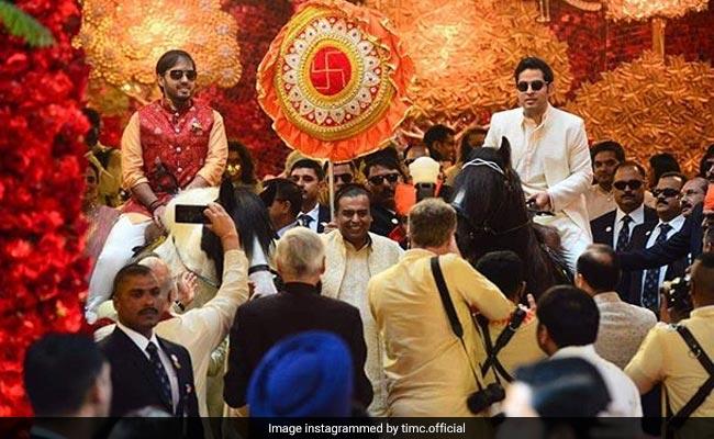Isha Ambani Wedding: ईशा अंबानी के घर बॉलीवुड अंदाज में बारात लेकर पहुंचे आनंद पीरामल, देखें Video
