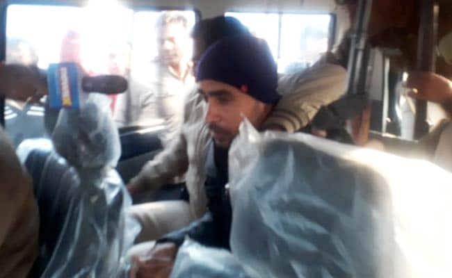 Top 5 News: सेना का जवान जीतू गिरफ्तार, रामदास अठावले को थप्पड़, टीवी डिबेट में मारपीट