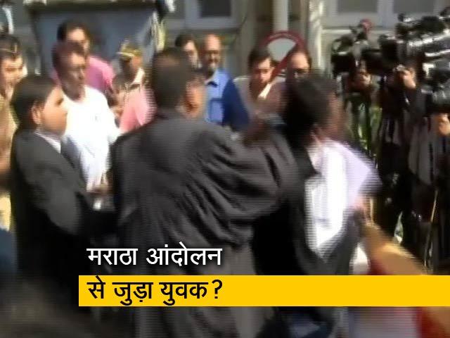 Video : मुंबई में कोर्ट परिसर के बाहर जनहित याचिकाकर्ता वकील पर हमला