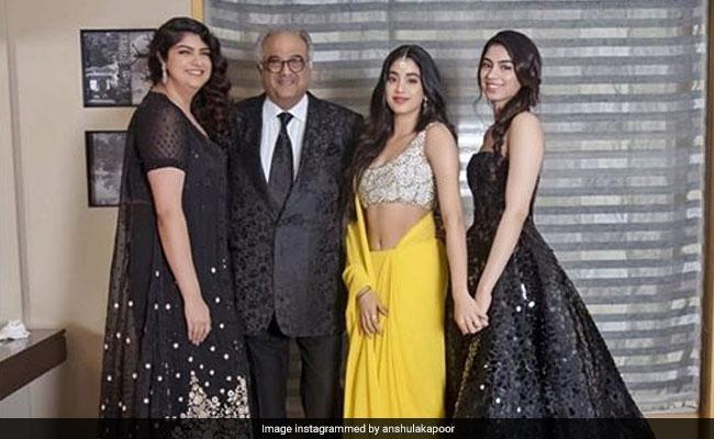 At Deepika Padukone, Ranveer Singh's Mumbai Reception, A Kapoor Fam-Jam With Janhvi, Khushi, Anshula, Rhea