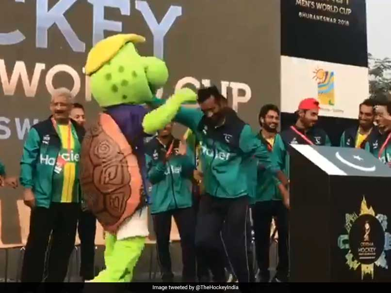 Hockey World Cup 2018: Pakistan Players Dance To Bollywood Songs, Enthrall Fans. Watch Video
