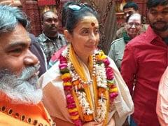 अभिनेत्री मनीषा कोइराला ने काशी-विश्वनाथ में किया दर्शन, चुनावी अखाड़े में कूदने के सवाल पर दिया ये जवाब