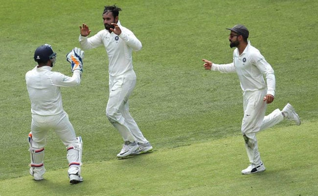 IND vs AUS, 2nd Test, Day 1: भारत के लिए पहला दिन मिला-जुला, हनुमा विहारी के प्रदर्शन ने खड़ा किया सवाल