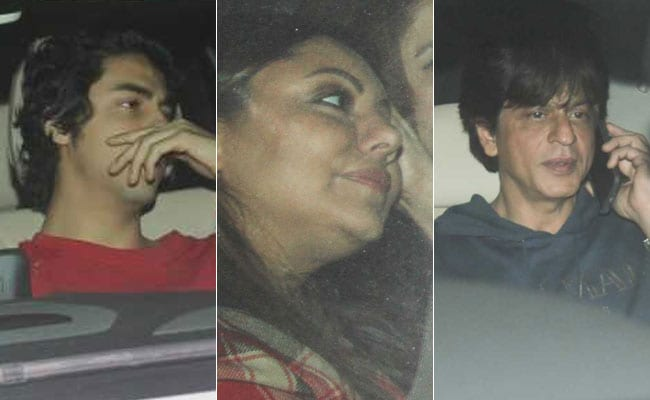 Zero: Shah Rukh Khan Treats Wife Gauri And Son Aryan To A Special Screening Of The Film