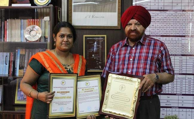 Pondicherry University Professor Receives Woman Scientist Award