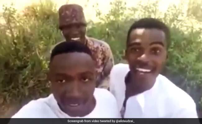 नाइजीरिया में लड़कों ने गाया शाहरुख खान का गाना 'कल हो न हो', वायरल हुआ VIDEO